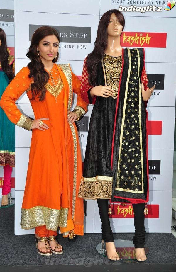 Soha Ali Khan At Shoppers Stop's Festival Soli1815