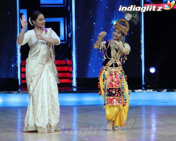 'Lootera' Ranveer Dancing Superstar In Rain Tera1820