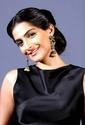 Sonam Kapoor Unveils L'oreal Sunset Collection - Страница 2 1u8vf610