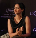 Sonam Kapoor Unveils L'oreal Sunset Collection - Страница 2 Ccvjqh10