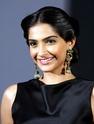 Sonam Kapoor Unveils L'oreal Sunset Collection - Страница 2 Ltebkb10