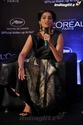 Sonam Kapoor Unveils L'oreal Sunset Collection - Страница 2 Sonam215