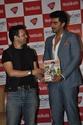 Arjun Kapoor Unveils Latest Issue Of Men's Health Tukmpl10