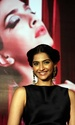 Sonam Kapoor Unveils L'oreal Sunset Collection - Страница 2 Wkyfic10