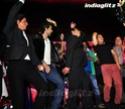 SRK, Aamir Launch Yamla Pagla Deewana 2 Music - Страница 2 Ypd20233