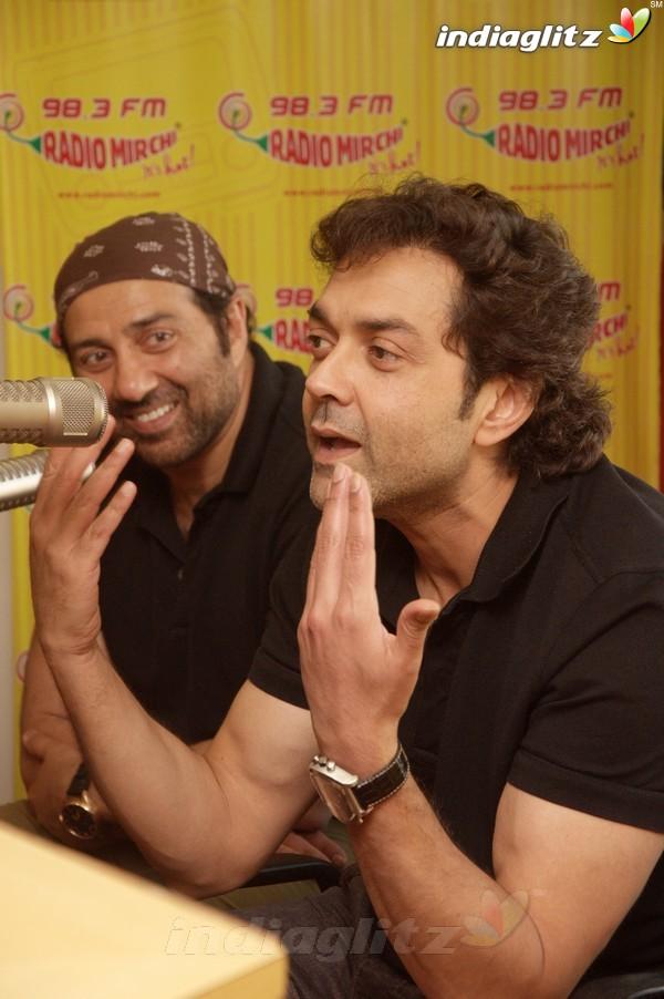 'Yamla Pagla Deewana 2' Promotion At Radio Mirchi Yama1710