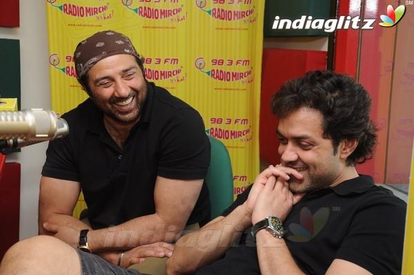 'Yamla Pagla Deewana 2' Promotion At Radio Mirchi Yama1713
