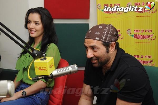 'Yamla Pagla Deewana 2' Promotion At Radio Mirchi Yama1714