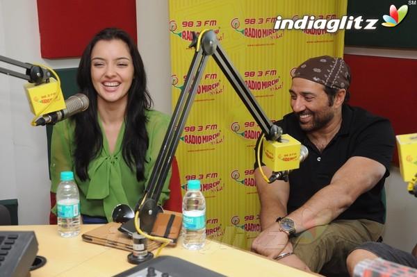 'Yamla Pagla Deewana 2' Promotion At Radio Mirchi Yama1715