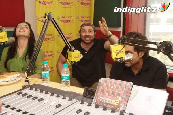 'Yamla Pagla Deewana 2' Promotion At Radio Mirchi Yama1716