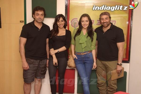 'Yamla Pagla Deewana 2' Promotion At Radio Mirchi Yama1721