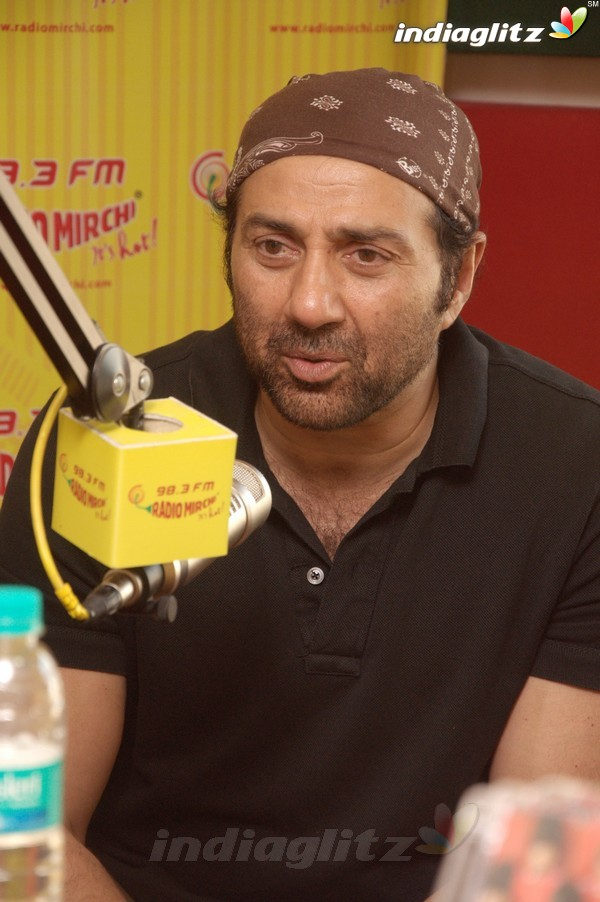 'Yamla Pagla Deewana 2' Promotion At Radio Mirchi Yama1722