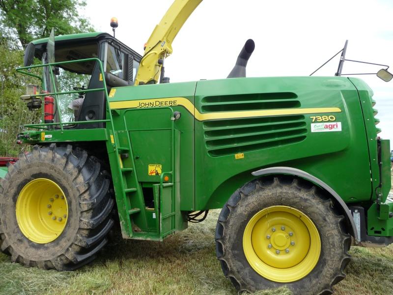 Recolte d'herbe 2013: qui fauche? P1020118