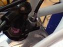 Montando el cable del descompresor P0410010