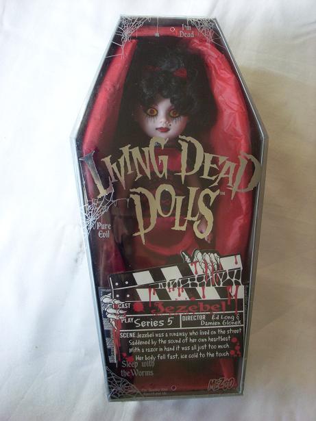 Living Dead Dolls - Page 2 Jezebe10