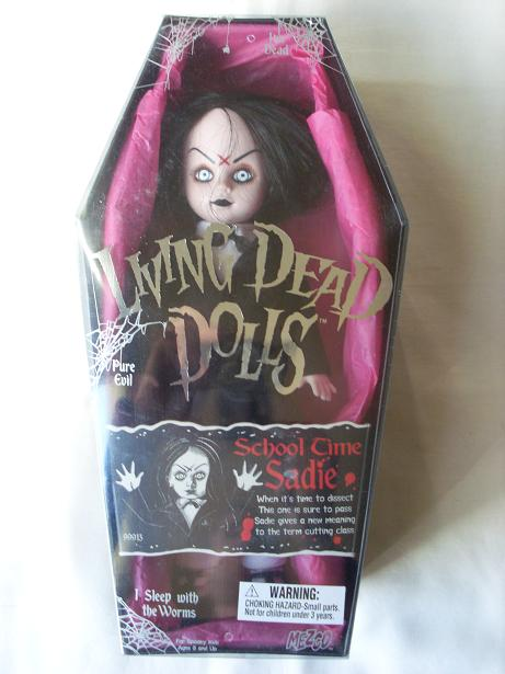 Living Dead Dolls - Page 2 School10