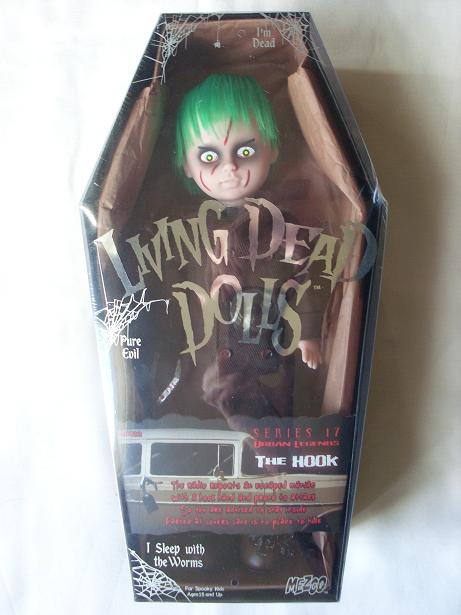 Living Dead Dolls - Page 2 The_ho10