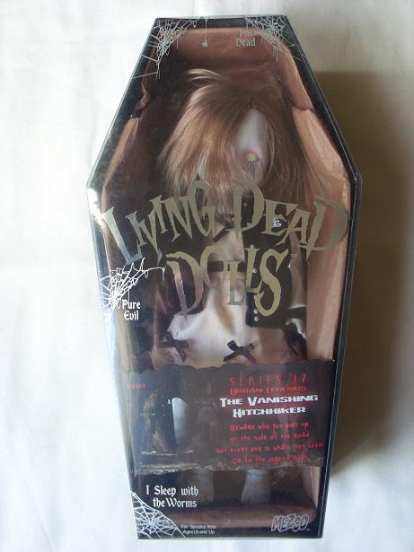 Living Dead Dolls - Page 2 The_va10