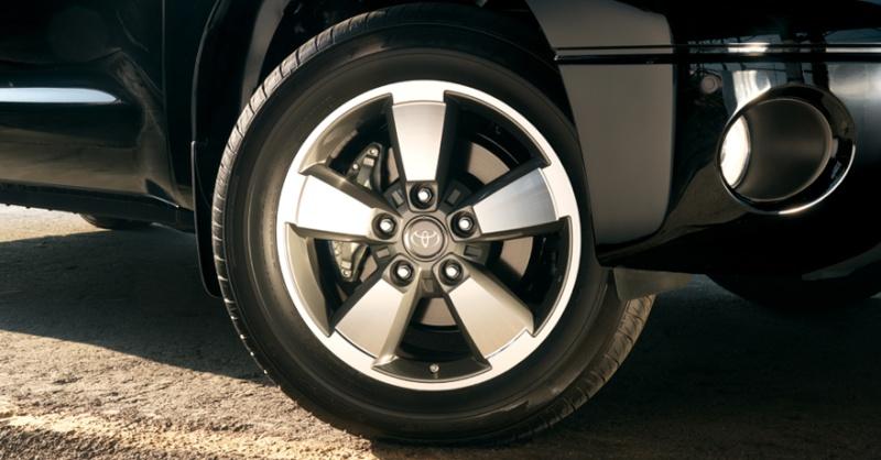 """SOLD - 20"""" carved alloy oem sport rims with dunlop sp sport 5000 tires on em 2010_t10"""