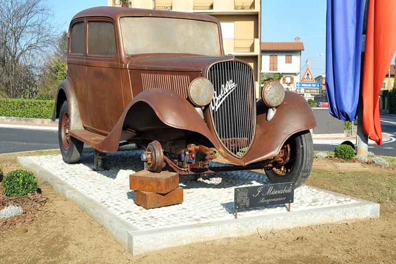Automobili come monumenti Una_ba10