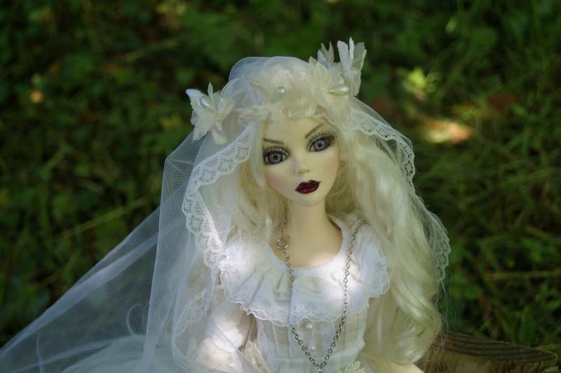 Evangeline en marièe du cimetière  par Mellody Dsc01514