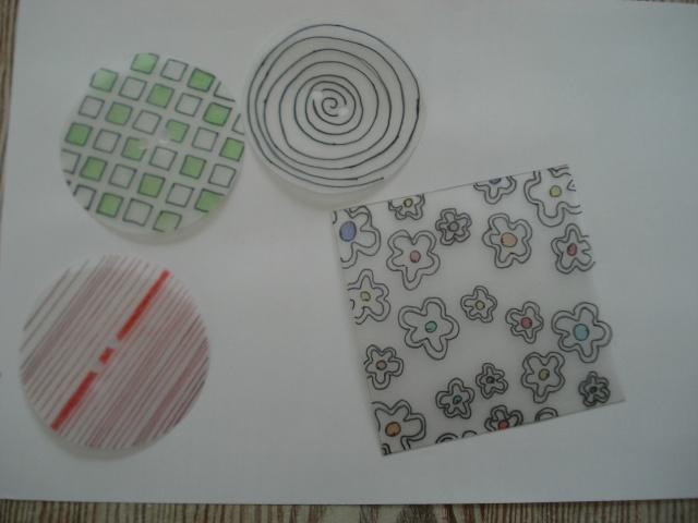 Formes en plastiques dingues ou fous Dsc00234