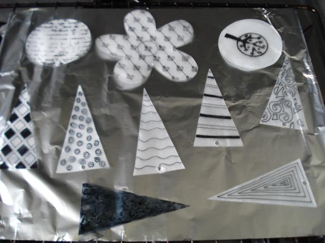Formes en plastiques dingues ou fous Dsc00237