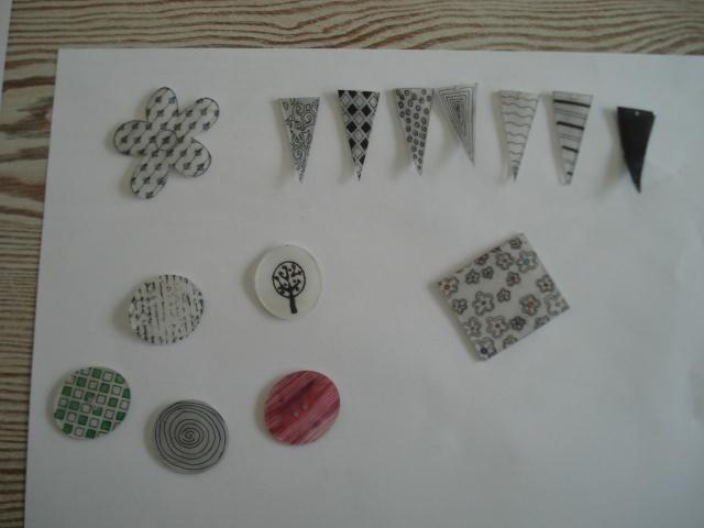 Formes en plastiques dingues ou fous Dsc00239