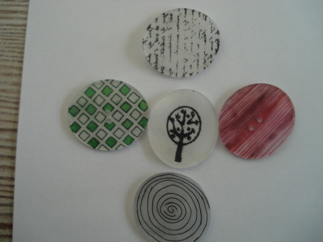 Formes en plastiques dingues ou fous Dsc00241