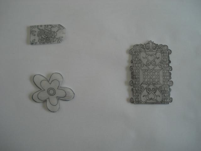 Formes en plastiques dingues ou fous Dsc00242