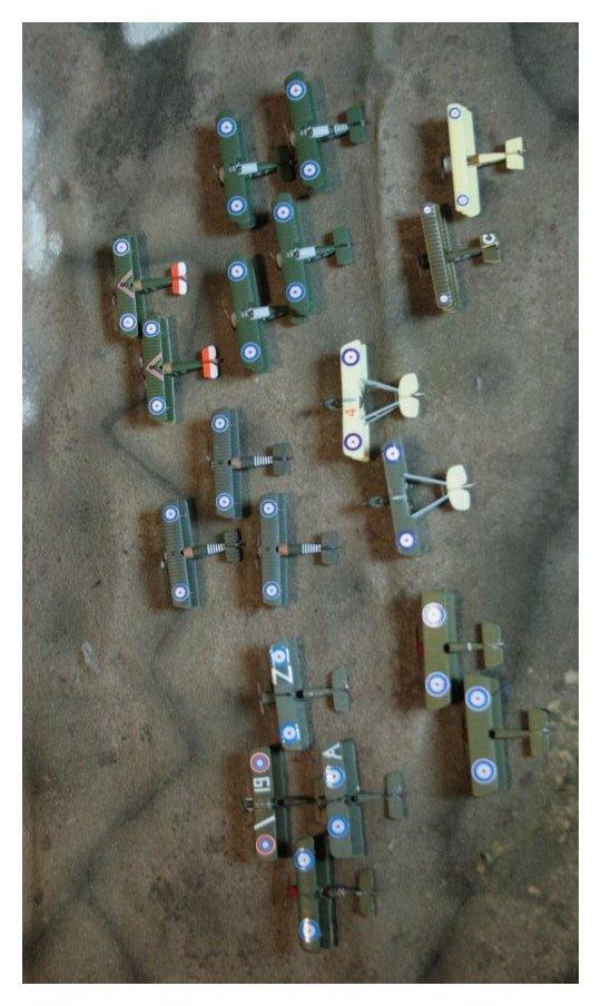 Vos collections de figurines d'avion en photo Img_4522