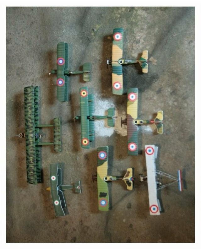 Vos collections de figurines d'avion en photo Img_4525