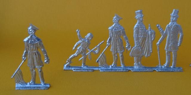 Meine -unbemalten, flachen- Eisenbahnfiguren aus Zinn Dsc03423