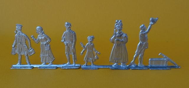 Meine -unbemalten, flachen- Eisenbahnfiguren aus Zinn Dsc03426