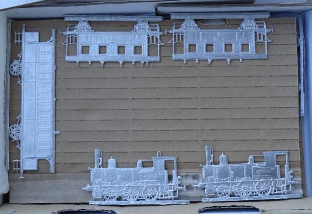 Meine -unbemalten, flachen- Eisenbahnfiguren aus Zinn Dsc03446