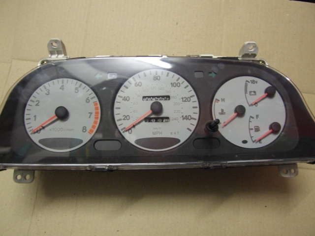 White face Corolla Si Dials (with Volt Meter) Dscf5710