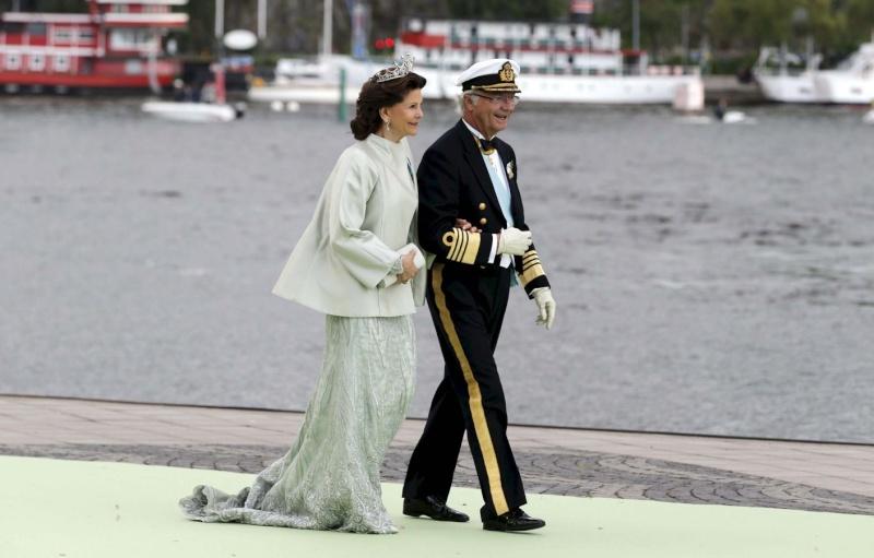 Sweden's Princess Madeleine weds 2013-217