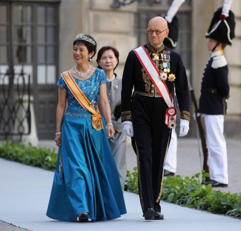 Sweden's Princess Madeleine weds 2013-229