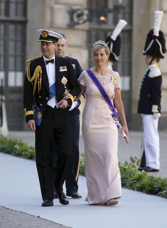 Sweden's Princess Madeleine weds - Page 2 2013-230