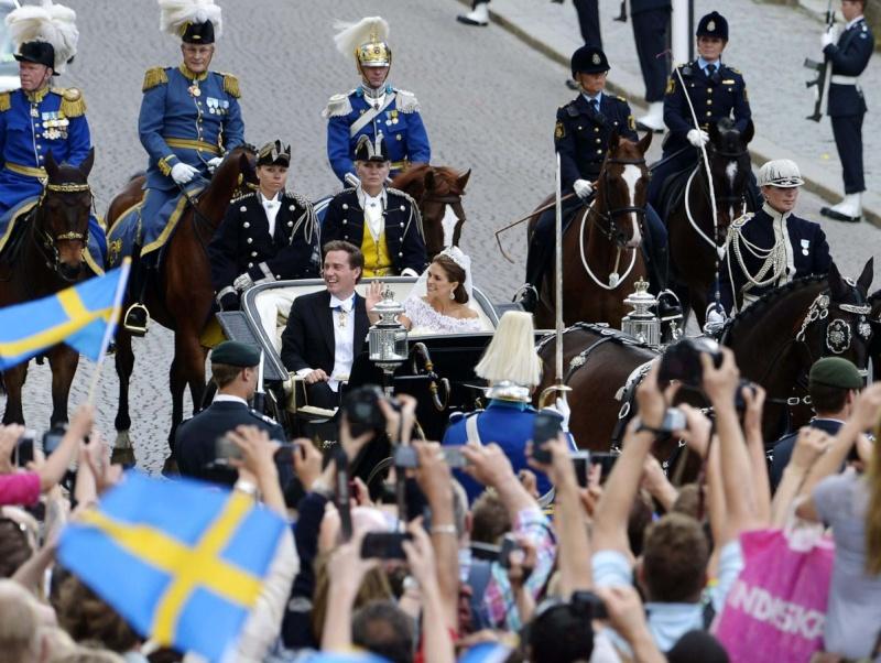 Sweden's Princess Madeleine weds - Page 2 2013-232