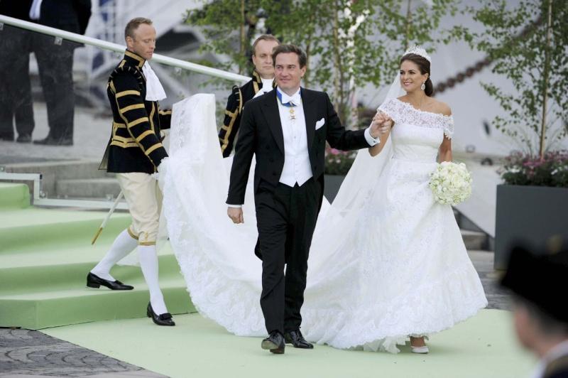 Sweden's Princess Madeleine weds - Page 2 2013-235