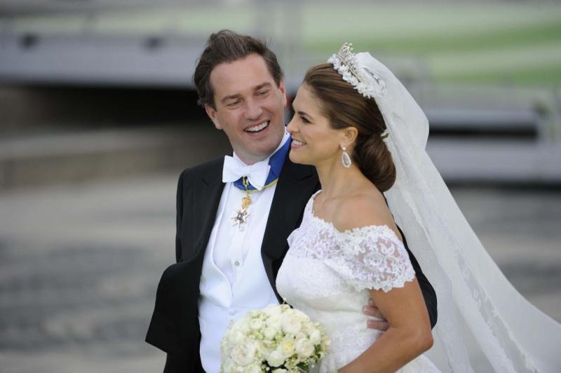 Sweden's Princess Madeleine weds - Page 2 2013-236