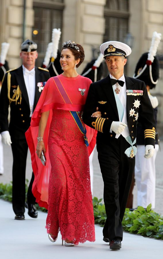 Sweden's Princess Madeleine weds - Page 2 B1b14910