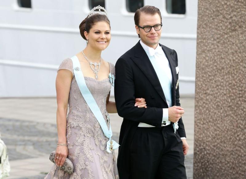 Sweden's Princess Madeleine weds - Page 2 Weddin11
