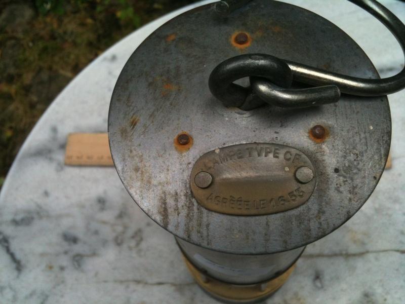 lampes de mineurs,  divers objets de mine, outils de mineur et documents  Photo_15