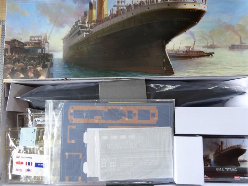 LE TITANIC , Academy Edition Anniversaire au 1/400 Dsc00913