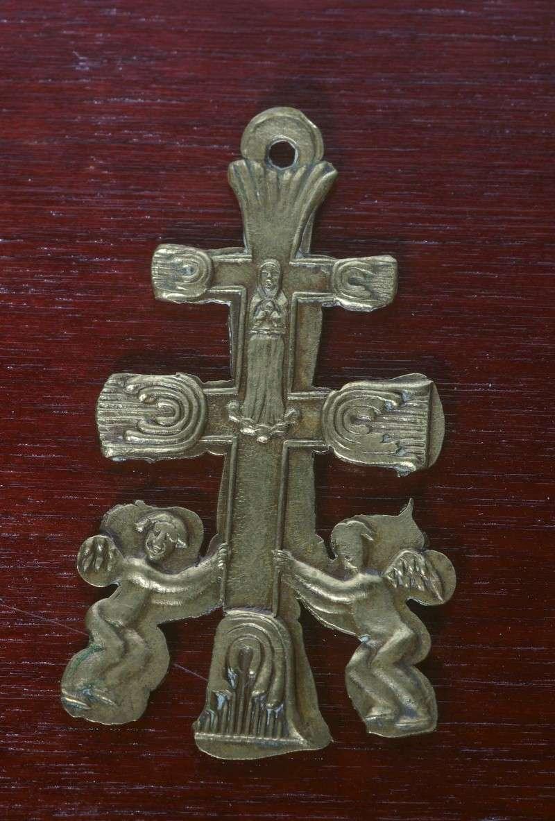 Croix de Caravaca / Espagne - ré-édition sans doute récente Carava11