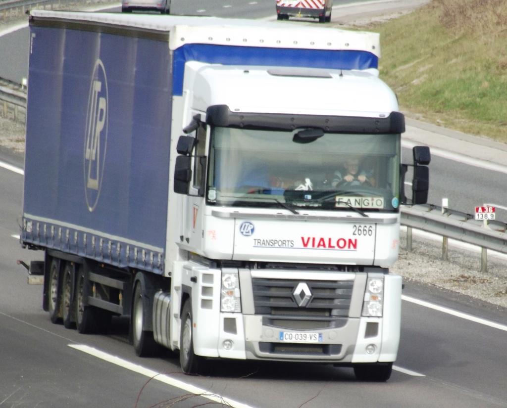 Transports J Vialon (La Fouillouse, 42) - Page 3 Photo185