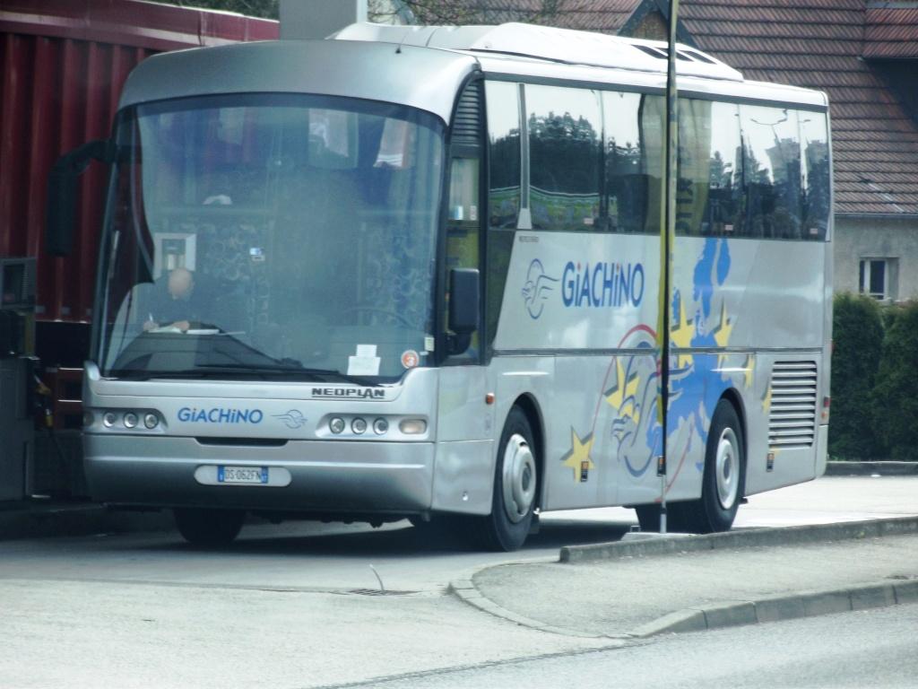 Cars et Bus d'Italie - Page 3 Photo404