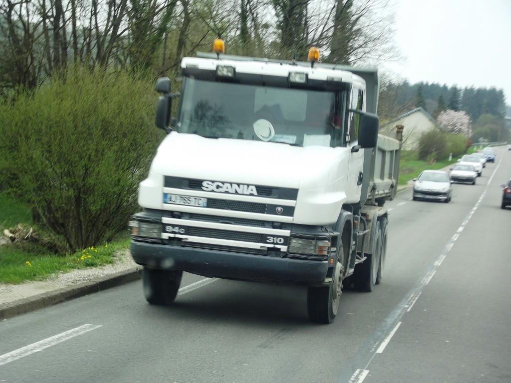 Scania série T (cabine a capot) - Page 8 Photo520